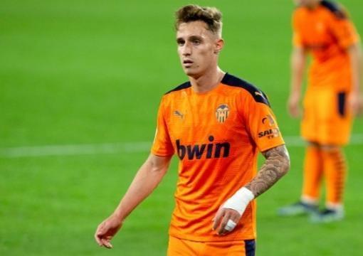 Alex Blanco se convierte en jugador del primer equipo del Valencia