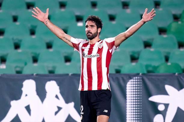 Raúl García renueva hasta 2022, con opción a una temporada más