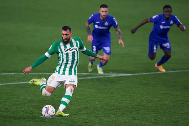 Borja Iglesias, seria duda para el encuentro frente al Cádiz CF