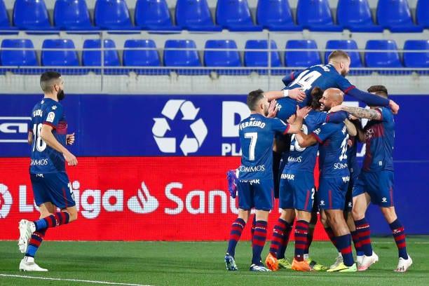 Crónica  SD Huesca 3 - 2 Granada CF: Espectáculo de goles en El Alcoraz