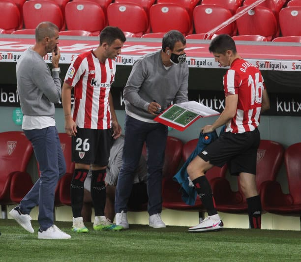 Opinión  ¿Qué pasa con Iñigo Vicente en el Athletic?