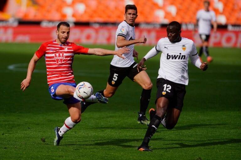 Crónica| Valencia 2- 1 Granada: Victoria que hace mirar hacia arriba