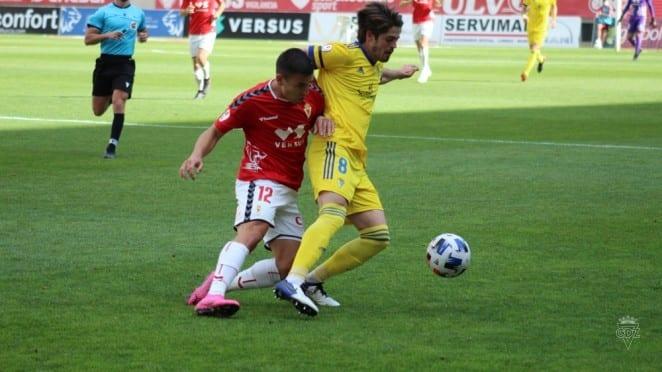 El Cádiz 'B' ya piensa en el Córdoba tras la derrota en Murcia