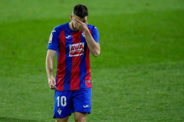 Edu Expósito baja frente al Real Madrid por problemas musculares